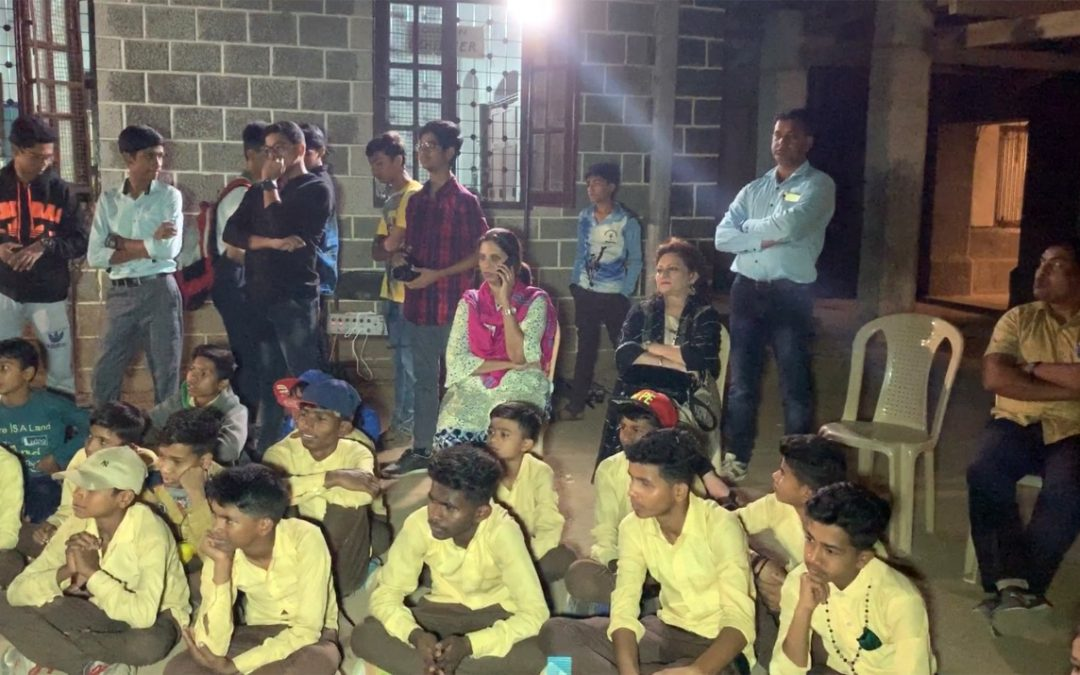 Visit of tribal students from Ambata